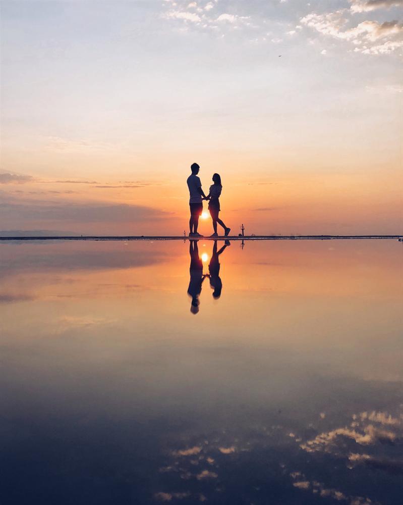 Bức ảnh cụ ông cụ bà Việt nhìn nhau cười hạnh phúc được lên báo nước ngoài, lọt khoảnh khắc tình yêu đẹp nhất-11