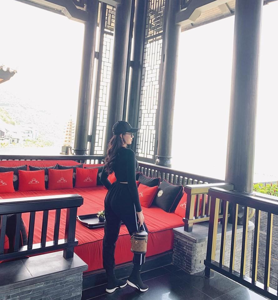 Tin đồn chia tay bạn gái hotgirl chưa kịp nguội, fans chỉ ra bằng chứng Quang Hải đã có người yêu mới?-4