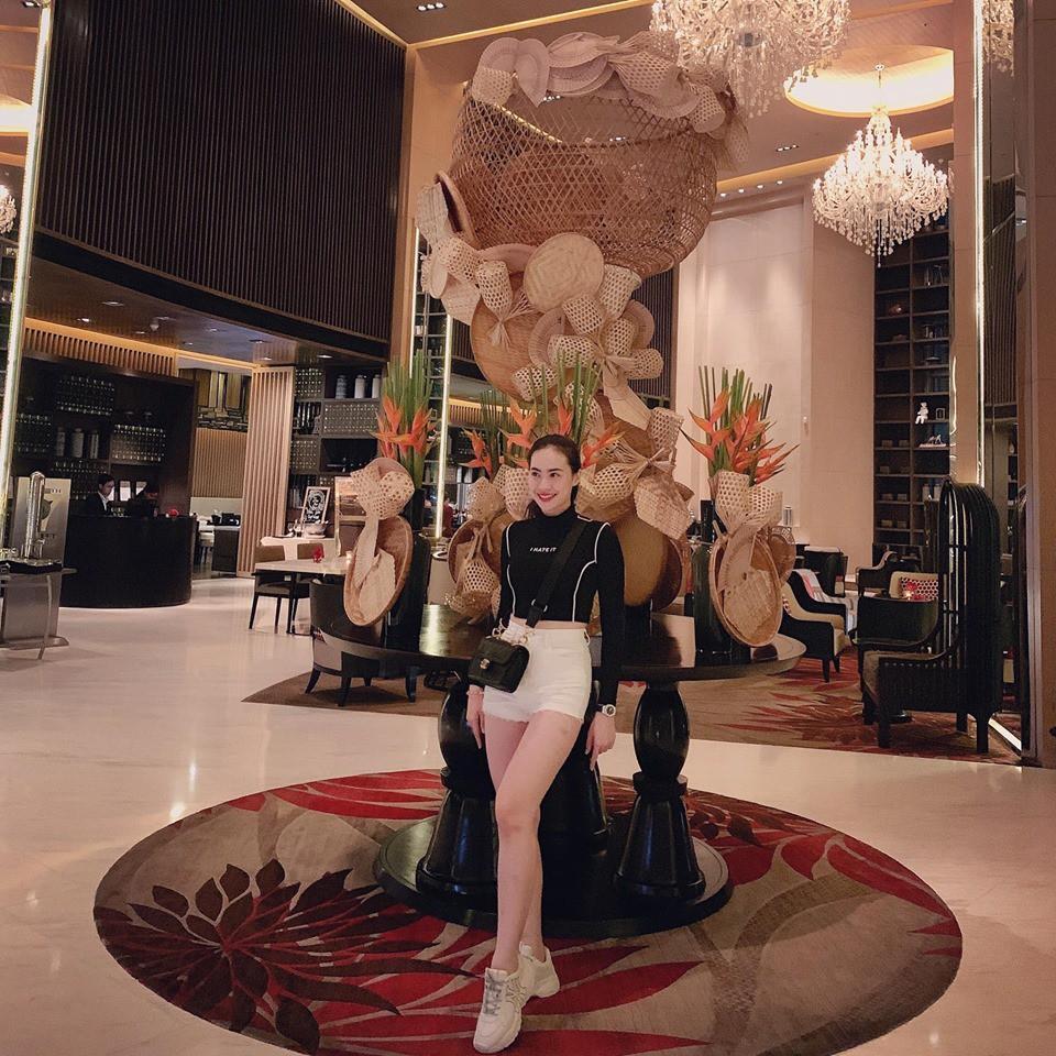 Tin đồn chia tay bạn gái hotgirl chưa kịp nguội, fans chỉ ra bằng chứng Quang Hải đã có người yêu mới?-3