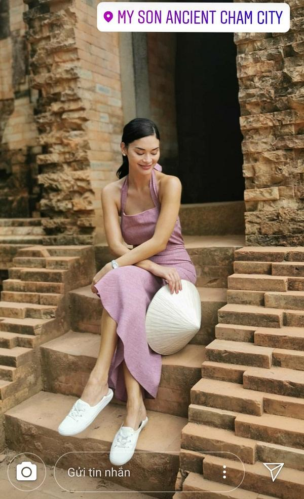 Hoa hậu Hoàn vũ bất ngờ diện áo dài nền nã, khoe nhan sắc xinh đẹp giữa phố cổ Hội An-9