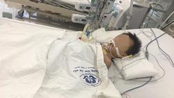 Uống thuốc hạ sốt, bé trai 27 tháng nguy kịch