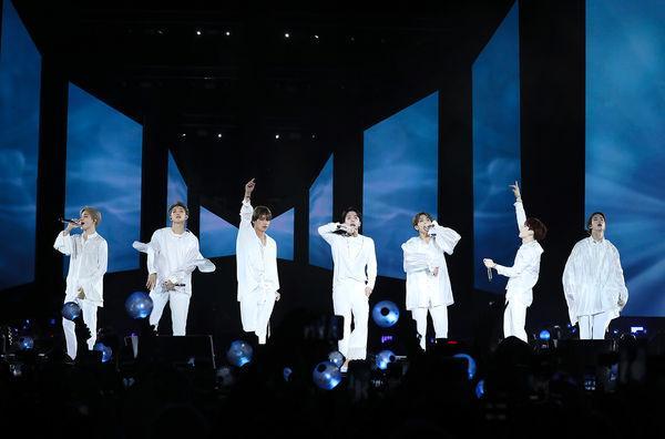 Big Hit giải thích về kế hoạch tạm ngưng hoạt động của BTS: 7 chàng trai sẽ sớm trở lại trong tương lai gần!-2