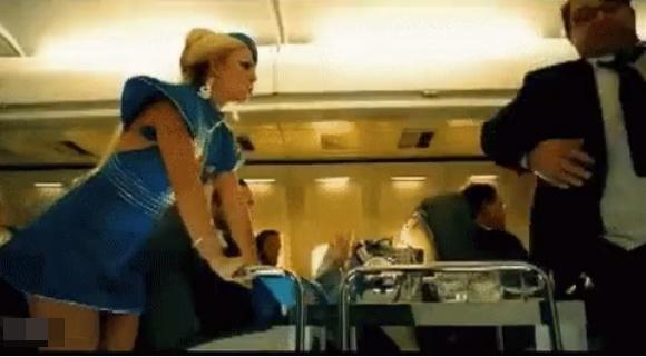 Rò rỉ hình ảnh trong MV mới của Tóc Tiên, cư dân mạng soi loạt điểm giống với MV của Britney Spears-6