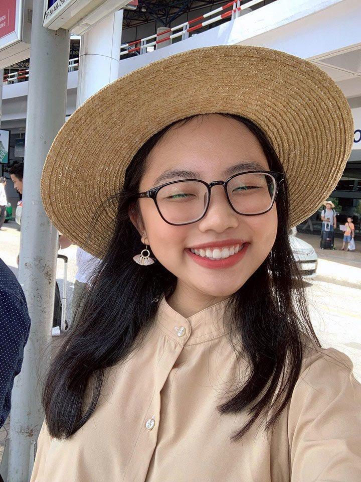 Phương Mỹ Chi tự tin khoe nụ cười hở lợi, trang điểm sương sương trong ngày tựu trường-3