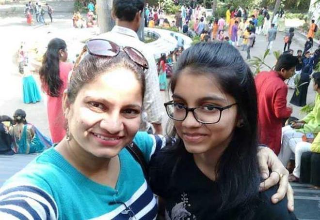 Nữ diễn viên Ấn Độ giết chết con gái rồi treo cổ tự tử-1