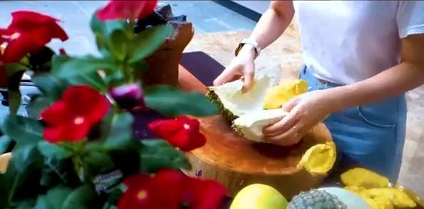 Mỹ Tâm khoe clip làm bánh tặng bố mẹ nhân ngày Vu Lan, vô tình để lộ lý do tới giờ vẫn ế-3