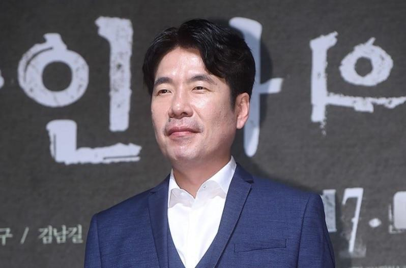 Mợ ngố U40 Song Ji Hyo khoe mặt mộc đẹp không tì vết-5