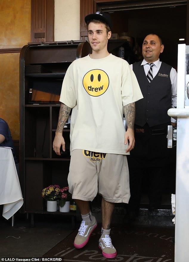 Justin Bieber và những lần bị chê lôi thôi, mặt đầy mụn-3