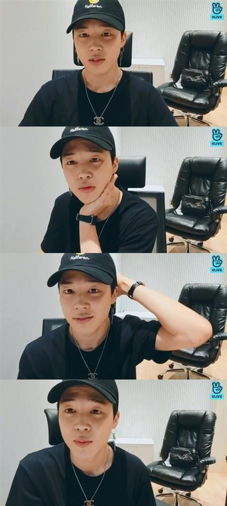 Jimin (BTS) tiết lộ kế hoạch xả hơi trong 2 tháng tới, khoe vật kỉ niệm luôn giữ như vàng suốt 6 năm qua-1