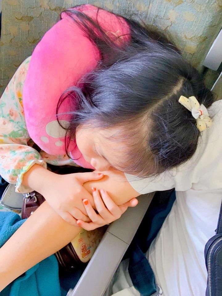 Khép lại tranh cãi sau ly hôn, vợ cũ Thành Trung vui vẻ khi con gái về thăm quê nội cùng bố-2