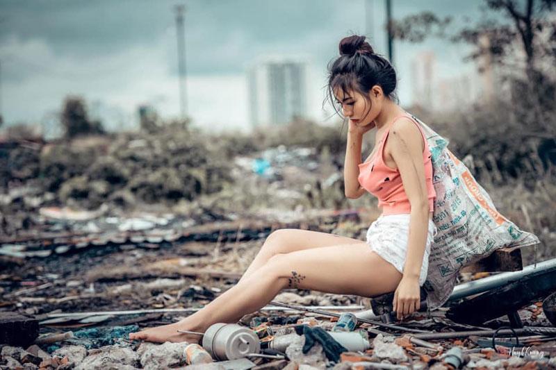 Đi nhặt ve chai nhưng phong cách thời trang phang hoàn cảnh của gái xinh Sài Gòn gây xôn xao mạng xã hội-2