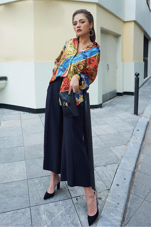 Chị Huệ Thu Quỳnh lên đồ sành điệu - Hương Giang phô thân hình mỏng như lá lúa với combo thời trang kiệm vải-1