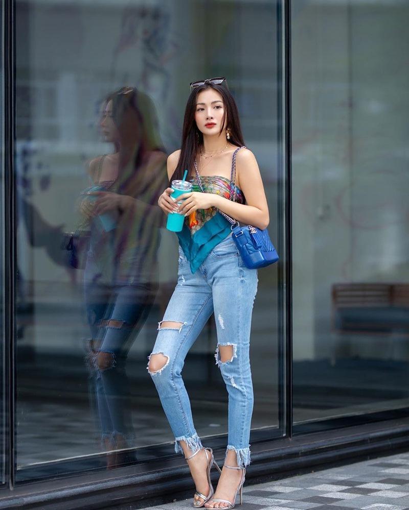 Chị Huệ Thu Quỳnh lên đồ sành điệu - Hương Giang phô thân hình mỏng như lá lúa với combo thời trang kiệm vải-9