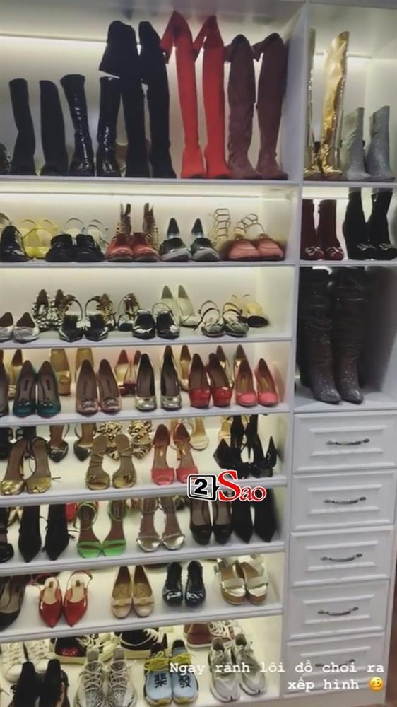 Choáng ngợp với tủ giày hàng trăm đôi cực kỳ xịn xò của Văn Mai Hương-2