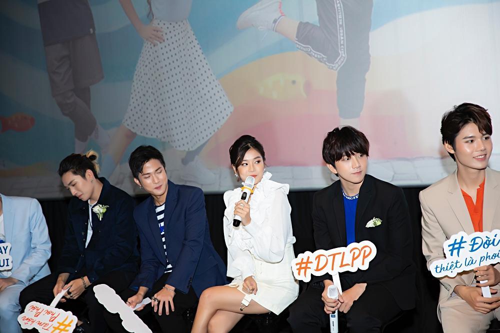 Đóng cùng MV nhưng Hoàng Yến Chibi thừa nhận thật sự khó khăn để nhớ hết tên thành viên nhóm UNI5-2