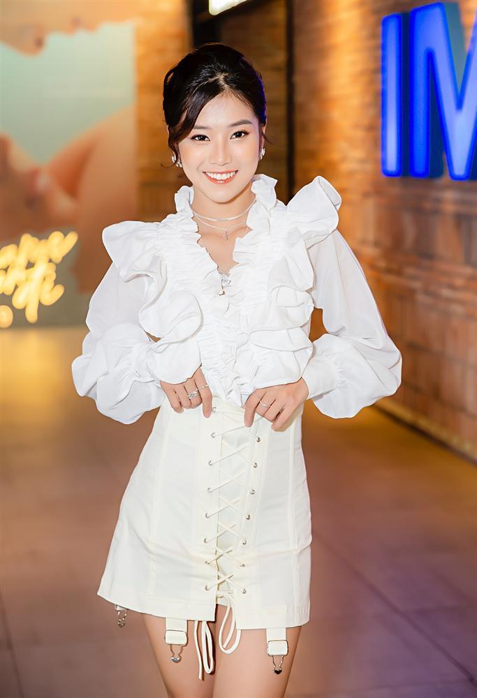 Đóng cùng MV nhưng Hoàng Yến Chibi thừa nhận thật sự khó khăn để nhớ hết tên thành viên nhóm UNI5-4