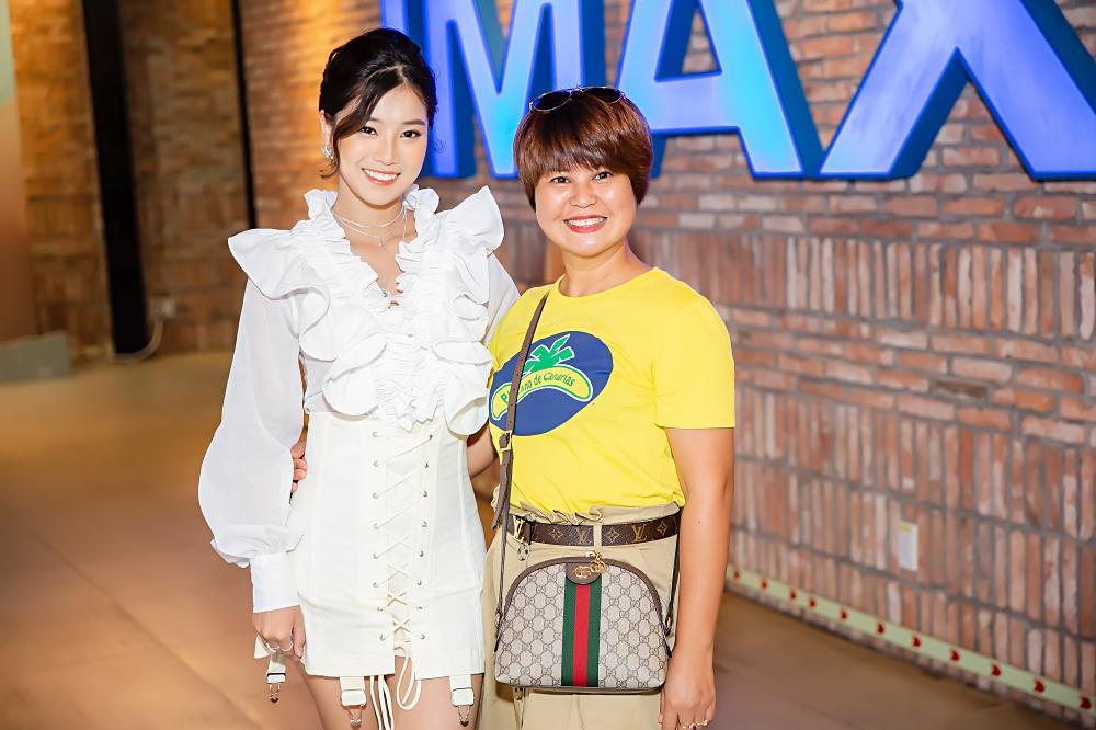 Đóng cùng MV nhưng Hoàng Yến Chibi thừa nhận thật sự khó khăn để nhớ hết tên thành viên nhóm UNI5-5