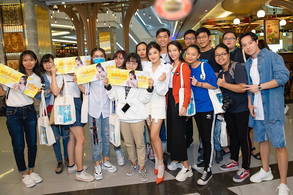 Đóng cùng MV nhưng Hoàng Yến Chibi thừa nhận thật sự khó khăn để nhớ hết tên thành viên nhóm UNI5-6