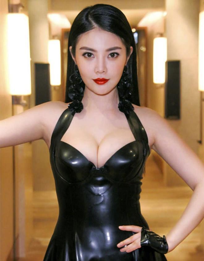 Bom sex Hong Kong đóng Tiểu Long Nữ bị phản đối vì khoe thân, ồn ào bán dâm-7