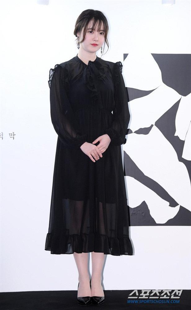 Lẽ nào ly hôn là lý do khiến nàng Cỏ Goo Hye Sun sụt giảm phong độ thời trang lẫn nhan sắc đến vậy-3