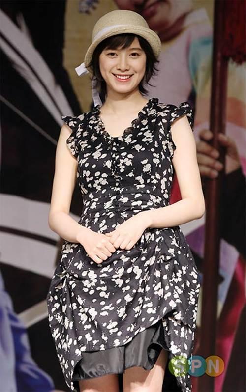 Lẽ nào ly hôn là lý do khiến nàng Cỏ Goo Hye Sun sụt giảm phong độ thời trang lẫn nhan sắc đến vậy-7