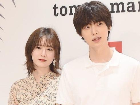 'Nàng cỏ' Goo Hye Sun công khai ly hôn vì bị Ahn Jae Hyun lăng mạ sau lưng