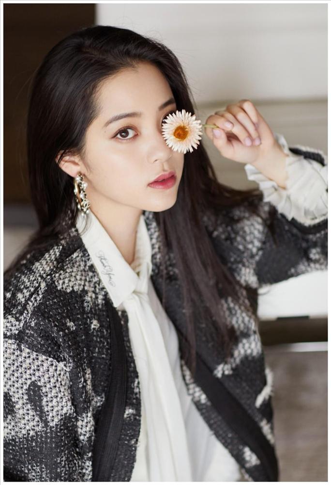 Soi nhan sắc mỹ nhân 19 tuổi vào vai của Triệu Vy trong Tân dòng sông ly biệt-6