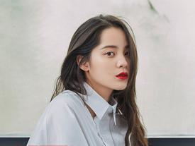Soi nhan sắc mỹ nhân 19 tuổi vào vai của Triệu Vy trong 'Tân dòng sông ly biệt'