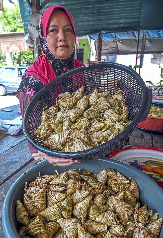 Nhìn cứ tưởng món ăn Việt nhưng là đặc sản nức tiếng và kỳ công của người Malaysia-7