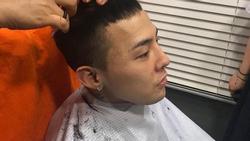 Stylist tung loạt ảnh cạo tóc, trang điểm kì quái của G-Dragon