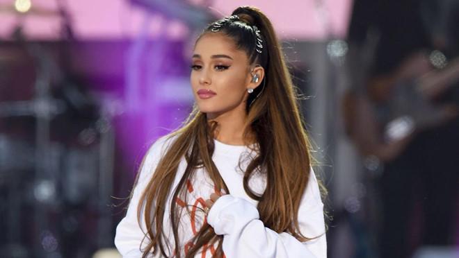Ariana Grande khiến fan bất ngờ khi lộ ảnh tóc thật của mình-3