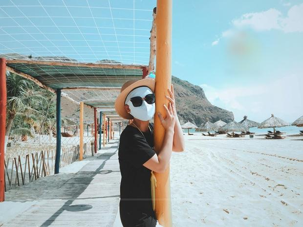 Bí kíp du lịch hè mà sợ cháy nắng: Cứ tự tin bịt khẩu trang kín mít như ninja mà check-in không trượt ảnh nào!-3