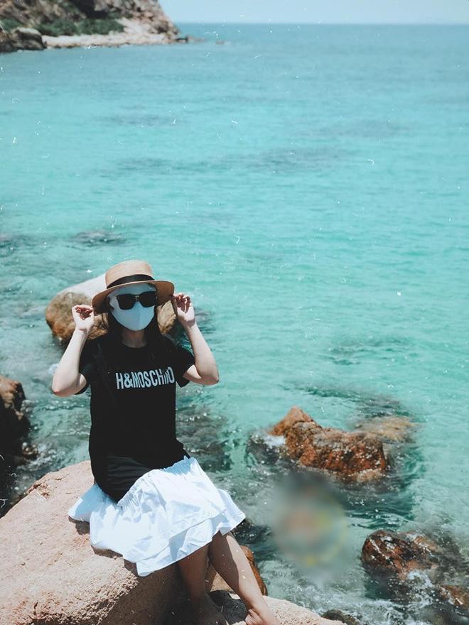 Bí kíp du lịch hè mà sợ cháy nắng: Cứ tự tin bịt khẩu trang kín mít như ninja mà check-in không trượt ảnh nào!-7