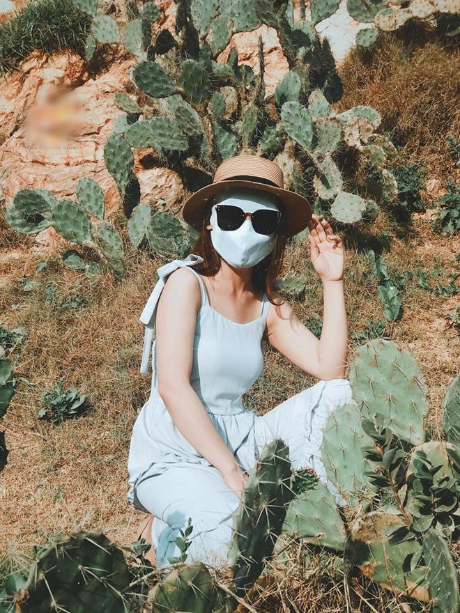Bí kíp du lịch hè mà sợ cháy nắng: Cứ tự tin bịt khẩu trang kín mít như ninja mà check-in không trượt ảnh nào!-12
