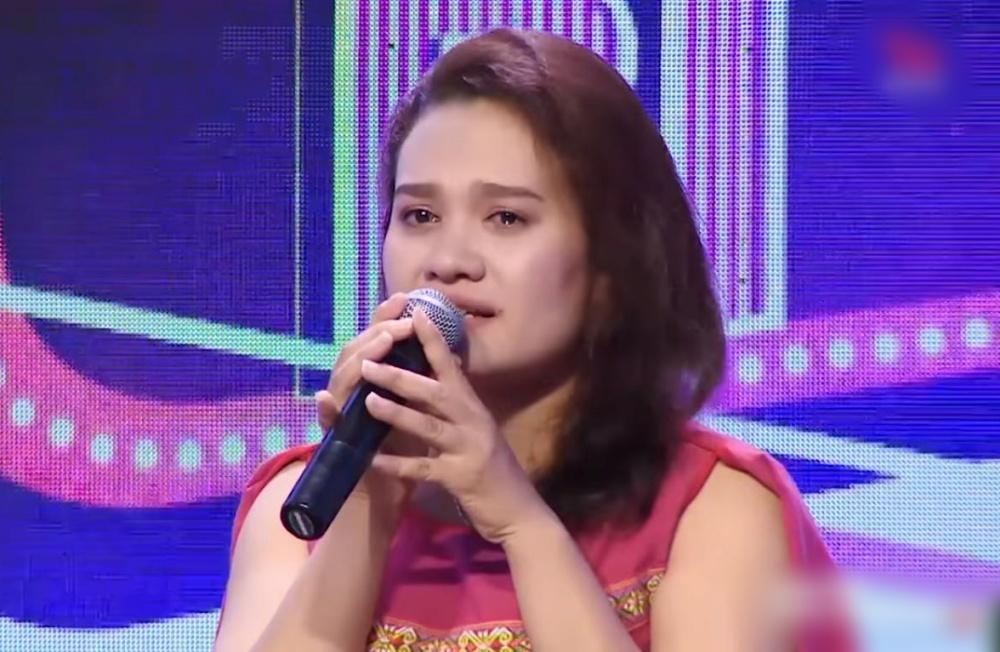 Trấn Thành - Việt Hương rơi nước mắt trước cô gái trẻ bất chấp lệ làng cứu hai đứa bé suýt bị chôn sống-2