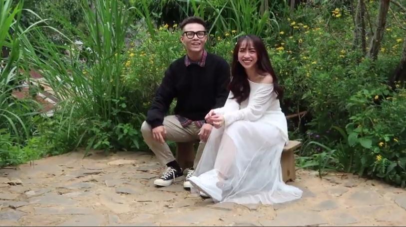 Con gái Minh Nhựa mặc váy cưới đuôi cá gợi cảm với sneaker, khoe hình xăm cực kỳ cá tính-4