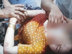 Clip: Người phụ nữ bị chính người quen đâm nhiều nhát vào cổ khi đi ăn sáng ở Bình Dương