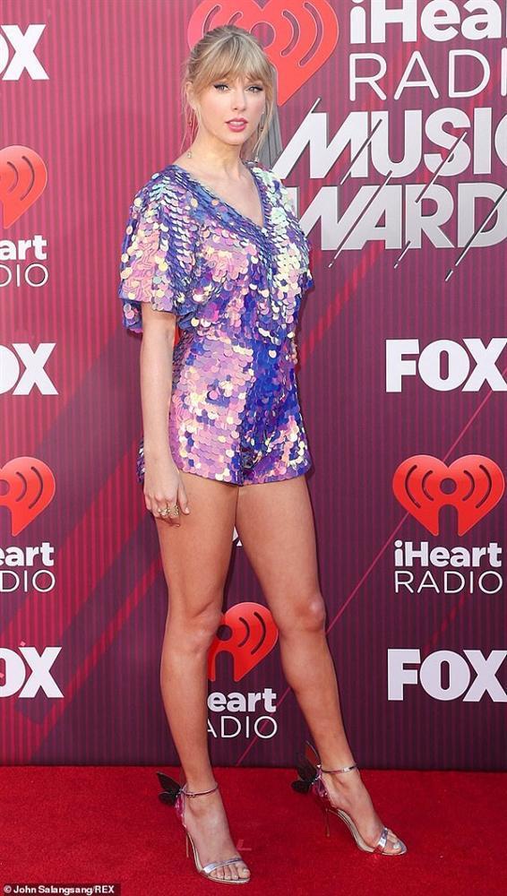 Thấy fan suốt ngày đoán già đoán non manh mối của album mới, Taylor Swift quay ra troll thế này đây!-2