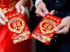 Đám cưới bạn thân 10 năm, mừng bộn tiền nhưng cô gái không được ngồi vào bàn tiệc