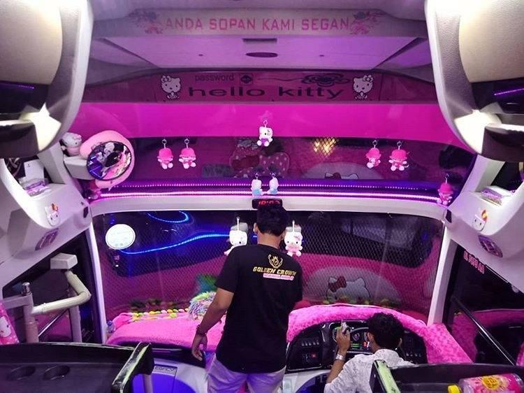 Thực hư việc xuất hiện xe đi Đà Lạt phiên bản HELLO KITTY toàn màu hồng làm tín đồ du lịch đứng ngồi không yên-5