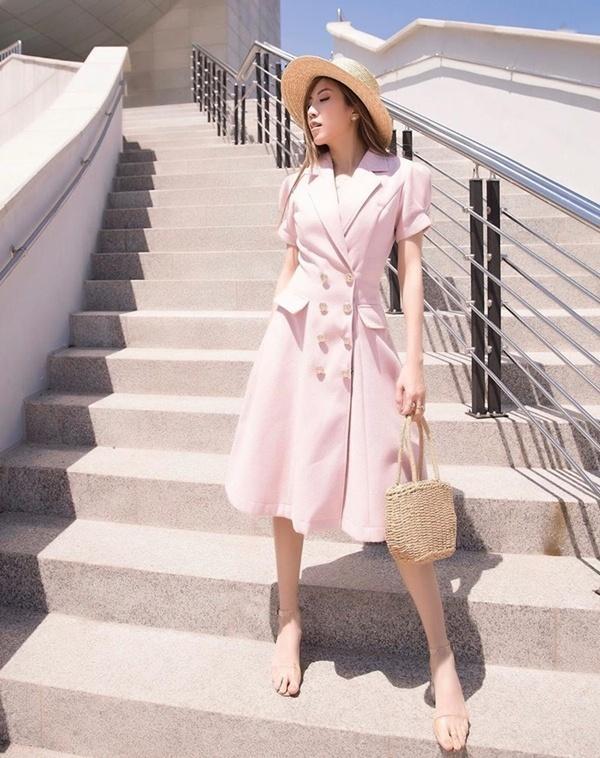 Linh Ka khoe street style như không mặc quần - Nhật Lê lăng-xê quần shorts 5 phân-3