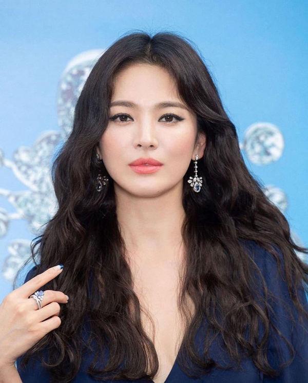 Hậu ly hôn, Song Hye Kyo đẹp lên trông thấy còn Goo Hye Sun thì ngày càng phát tướng, luộm thuộm-6