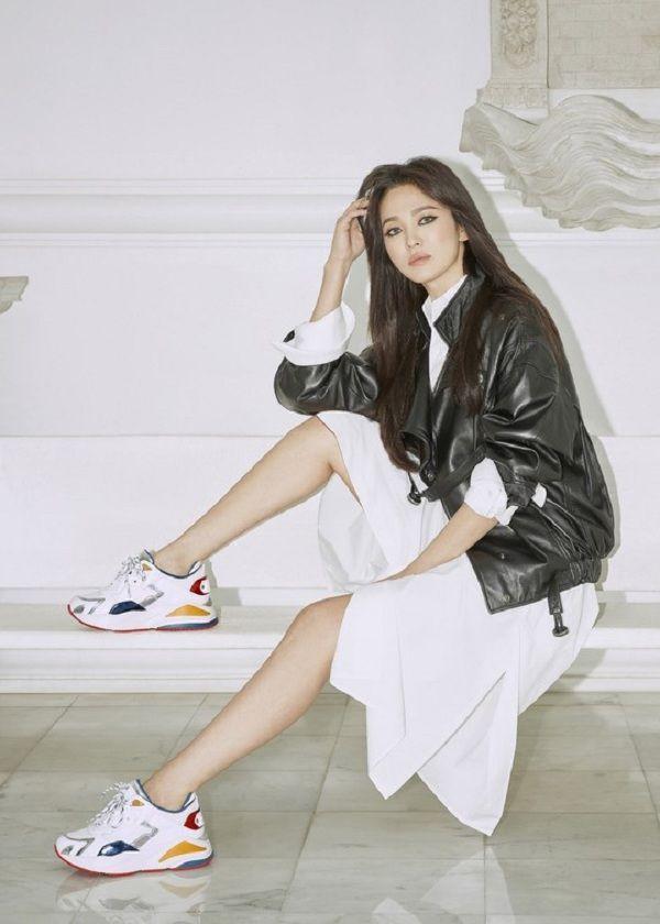 Hậu ly hôn, Song Hye Kyo đẹp lên trông thấy còn Goo Hye Sun thì ngày càng phát tướng, luộm thuộm-8