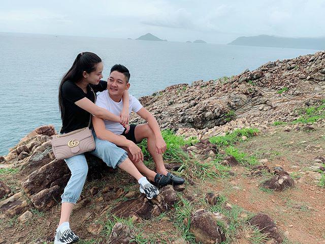 Cho vợ 100 triệu sắm đồ một tháng, chồng Hải Băng vẫn ăn diện giản dị thế này đây!-7