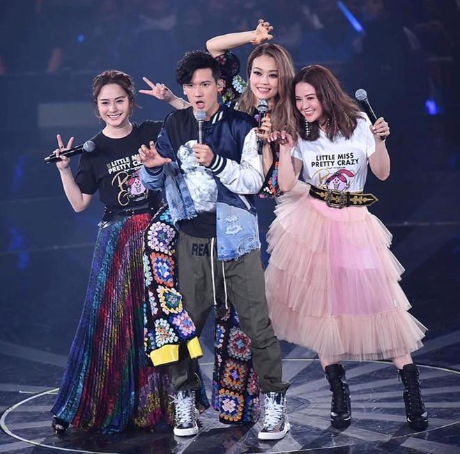 Dung Tổ Nhi chứng tỏ quyền lực, mời nửa showbiz Hong Kong dự show-6