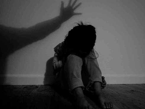 Cha dượng ở Đà Nẵng xâm hại 2 con riêng của vợ, khiến bé gái 14 tuổi có thai-1