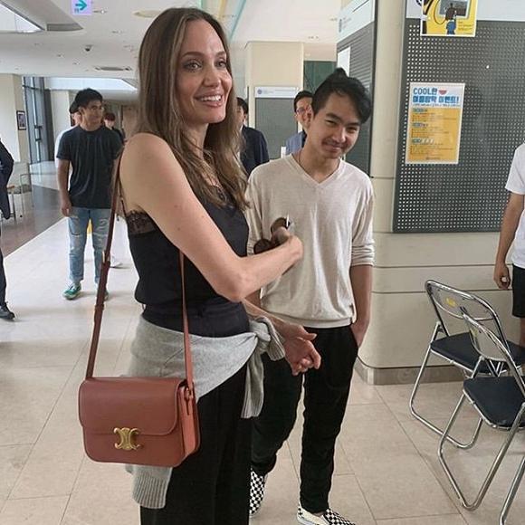 Mẹ con Angelina Jolie gây náo loạn trường Đại học hàng đầu tại Hàn Quốc-4