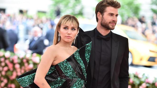Liam Hemsworth chính thức nộp đơn ly hôn Miley Cyrus-1