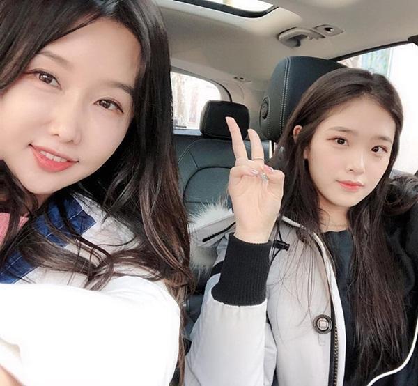 Những cặp mẹ con cứ ngỡ chị em, khiến cộng đồng mạng châu Á không tin vào mắt mình-5