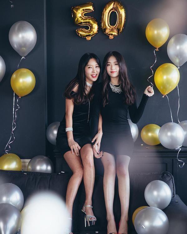 Những cặp mẹ con cứ ngỡ chị em, khiến cộng đồng mạng châu Á không tin vào mắt mình-6